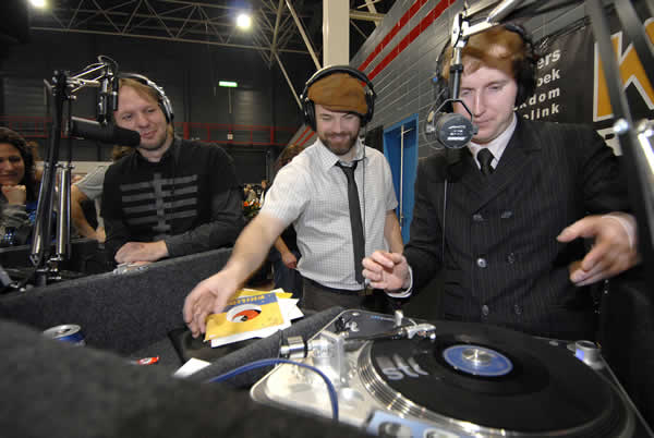 Rob Stenders and DJ Madd, performing at the Utrecht Record and CD Fair